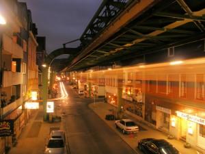 Wuppertal am Abend